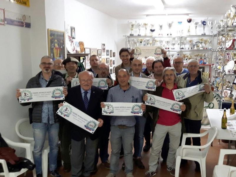 Delegazione del vespa club perugia ai vespa world days a for Vespa club volta mantovana