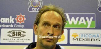 """Bernardi: """"Vittoria pesante"""". Il tecnico della Sir sulla vittoria a Tours: """"Grande reazione nell'ultimo set. Consapevoli della nostra situazione, sappiamo cosa fare"""""""