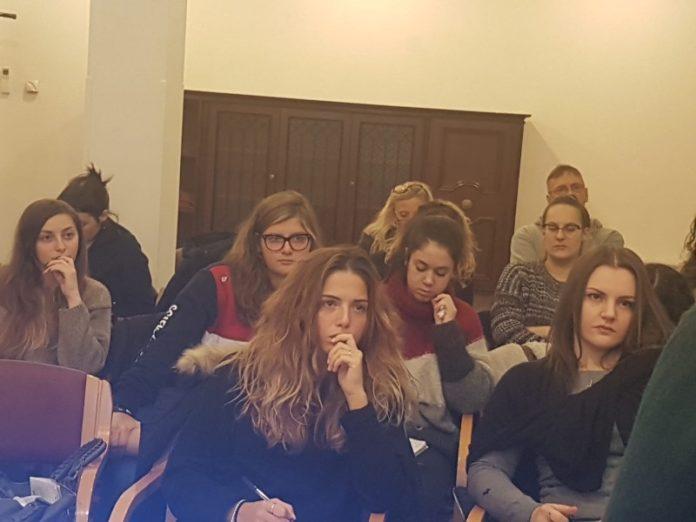 Ginnastica: Master regionale a Perugia. Presso la Villa Sacro Cuore si è tenuto un incontro sul tema della valenza educativa dello sport in età evolutiva. Presente la dottoressa De Santis