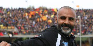 """Liverani: """"Grifo tosto, mi piace il calcio che propone"""". Il tecnico del Lecce: """"Ho un paio di dubbi importanti, noi ancora padroni del nostro destino"""""""