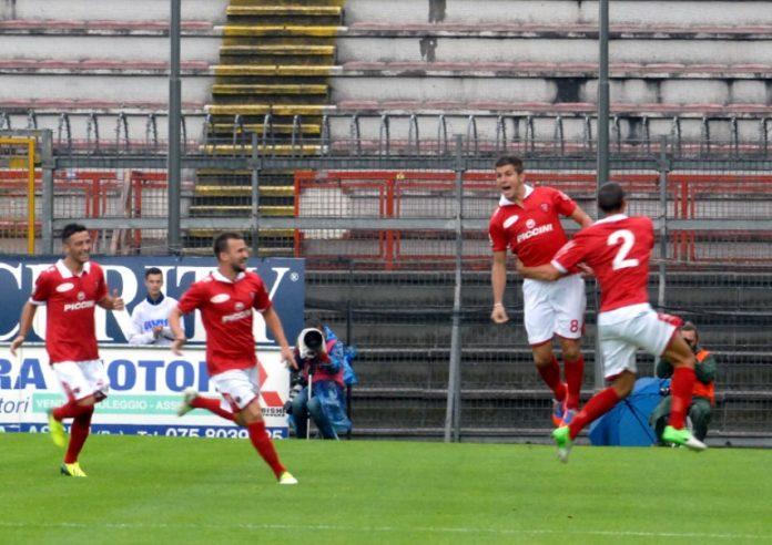 Perugia-Lecce: l'ultima volta vittoria nella tempesta. Nicco ed Eusepi per il successo del Grifo nel 2013 tra vento, pioggia e saette. E il bilancio complessivo dei precedenti incoraggia i biancorossi