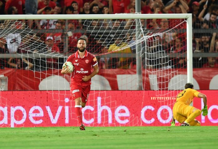 Perugia - Roma: top e flop. Portiere e difesa da rivedere, Di Chiara e Iemmello già in forma. Fernandes ha qualità