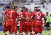 Iemmello in zona Cesarini: Grifo salvo a La Spezia (2-2). Avvio ottimo col gol di Buonaiuto, poi i liguri la ribaltano. Al 90esimo la rete dell'attaccante calabrese che ristabilisce la parità