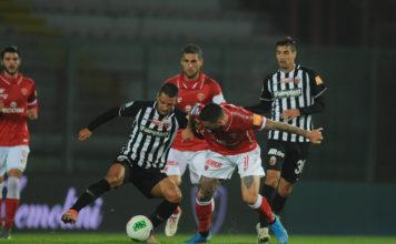 Grifo senza costanti. Dopo un quarto di campionato il Perugia non ha ancora trovato certezze e viaggia sull'altalena. Con l'Ascoli biancorossi double-face