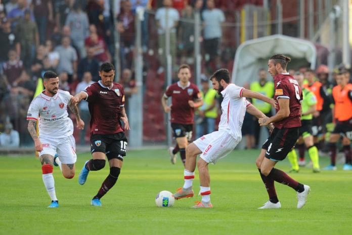 Grifo: il punto di Salerno non nasconde le pecche. Il gol di Buonaiuto nel finale mantiene il Perugia sesto in classifica, ma non maschera l'assenza di gioco e intensità