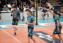 La Sir comincia a carburare: 3-0 a Piacenza. La banda di Heynen trova continuità in Emilia. Leon top scorer con 17 punti, bene Hoogendorn