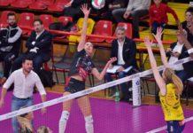 Per la Bartoccini un altro big match: si va a Novara. Le ragazze di Bovari, dopo la vittoria contro la rimaneggiata Conegliano, sono attese in casa delle piemontesi dell'ex tecnico Sirio Barbolini