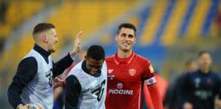 Una serata speciale per capitan Rosi. A poche ore dal match col Crotone è nato il secondogenito del difensore del Grifo