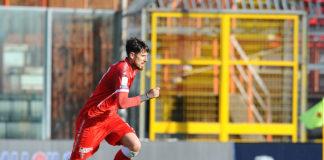 """Greco studia da Velasco: """"Niente alibi esterni"""". Il centrocampista del Perugia si racconta a 360 gradi, non nascondendo il sogno di divenire allenatore a fine carriera"""