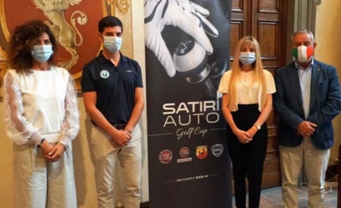 """Sport e Motori: weekend """"green"""" a Perugia con Satiri Auto Golf Cup. Seconda edizione con oltre 80 iscritti. Novità: gara per i più piccoli e test drive con i modelli ibridi di Fiat 500 e Panda"""