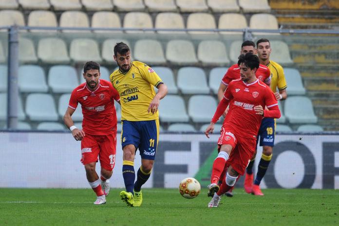 Altra tegola: nuovo positivo nel Grifo. A poco dall'inizio del match col Padova il Perugia registra una nuova defezione