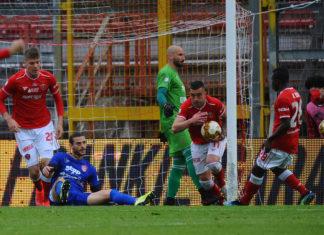 """Il Perugia fa un remake de """"Gli ultimi cinque minuti"""". Vittoria fondamentale quella ottenuta nel finale con la Triestina per le ambizioni di primato. Prossimo turno di campionato decisivo"""